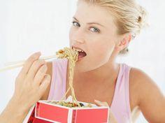 Faire un régime sans passer par la case cuisine, c'est tendance grâce aux repas minceur livrés à domicile qui vous promettent une perte d'environ un kilo...