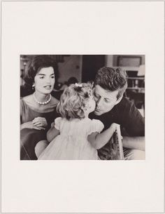 VINTAGE 1962 President Kennedy with Jackie and Caroline Jacques Lowe press photo
