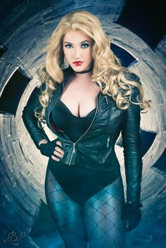 Character: Black Canary / From: DC Comics 'Birds of Prey' / Cosplayer: Leah Burroughs (aka Callie Cosplay)