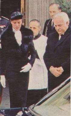 Princess Grace Kelly, Princess Caroline Of Monaco, Princess Stephanie, Monaco Royal Family, Her Style, Royals, Diana, Spain, Charlotte