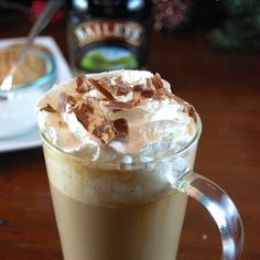 Warm Irish Espresso from the Ultimate Holiday Drink Guide - 12 Weeks of Christmas Holiday Sangria, Holiday Drinks, Holiday Recipes, Dinner Date Recipes, Flavored Ice Cubes, Espresso Recipes, Good Food, Yummy Food, Sangria Recipes