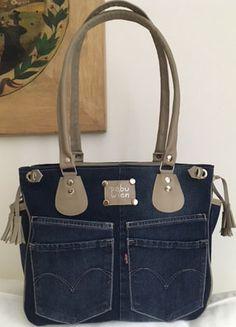 Denim Tote Bags, Denim Handbags, Denim Purse, Fabric Handbags, Jean Purses, Purses And Bags, Mochila Jeans, Craft Bags, Recycled Denim