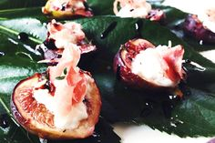 10-Minute Appetizers You Can Even Make In A Toaster Oven  #refinery29  http://www.refinery29.com/easy-holiday-appetizers#slide5  Revered by the Greeks, figs are an incredibly sexy fruit and are considered an aphrodisiac. Paired with burrata, prosciutto, and thyme and roasted, they're at the very least a conversation starter.Thyme-Roasted Figs With Burrata & ProsciuttoServes 6 to 8Prep Time10 minutesIngredients  8 fresh figs 4 six-inch ribbons of prosciutto 1 tbsp fresh thyme leaves, more ...