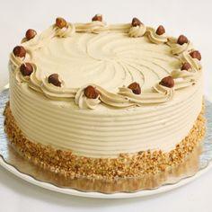 Hazelnut foam cake is always a success at birthdays and parties! Dutch Recipes, Sweet Recipes, Cake Recipes, Pie Cake, No Bake Cake, Hazelnut Cake, Mocca, Pie Dessert, Food Cakes