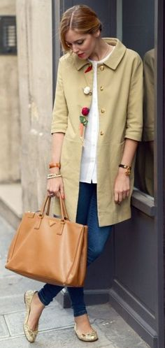Casual classics- duster coat, tote bag, skinny jeans and flats - neutrals.