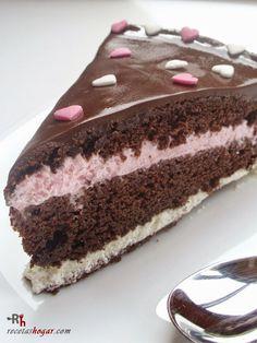 Tarta de chocolate y nata con granadina.Receta de cocina casera elaborada paso a paso, con fotografías en cada uno de los pasos. Receta de postres y dulces