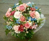 花ギフトのプレゼント【BFM】 メルヘンチック!そんなフラワーアレンジメント http://www.basketflowermarkets.com