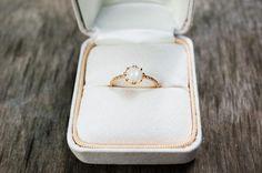 SKindAndCo-Ethical-Engagement-Ring-2_22623b8c-899c-445d-8f66-095aaf7d3fdc_grande.jpg 600×399 pixels
