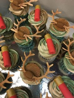 Find out about Deer Searching cupcakes . Find out about Deer Searching cupcakes . Hunting Cupcakes, Hunting Birthday Cakes, Baby Shower Camo, Boy Baby Shower Themes, Hunting Baby Showers, Hunting Theme Baby Shower, Camo Cakes, Deer Cakes, Camo Wedding Cakes