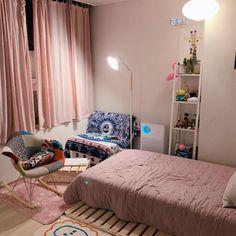 Room Ideas Bedroom, Small Room Bedroom, Home Decor Bedroom, Cool Dorm Rooms, Home Room Design, Small Bedroom Designs, Minimalist Room, Aesthetic Bedroom, Luxury Decor