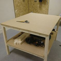 Workbench 2.0 complete!  #workbench #woodwork #makerspace #manchester #makerspace #openaccess de mcr_makerspace