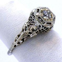 Vintage 18K Filigree Diamond Ring