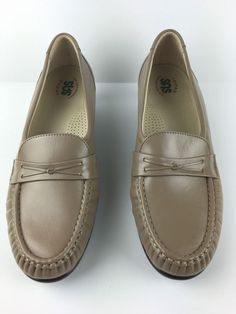 """SAS Beige Loafers Sz 11M Leather Comfort Tripad Footbed Walking Shoes 1.5"""" Heel #SAS #LoafersMoccasins #Casual"""