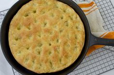 Most of these 15 cast iron skillet bread recipes require no kneading, which means they're even easier to whip up at home. Cast Iron Skillet Cooking, Skillet Bread, Iron Skillet Recipes, Skillet Meals, Focaccia Bread Recipe, Best Bread Recipe, Bread Recipes, Cooking Recipes, Bread Pizza