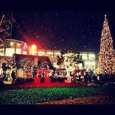 It's #snowing tonight @AmericanaBrand! @ The Americana at Brand http://instagr.am/p/S1wZtpkgis/
