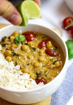 Vegan Chickpea Curry - An awesome animal friendly take on the insanely popular dish. And you know what? It rocks! | hurrythefoodup.com