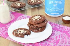 What's better than chocolate? Double chocolate, obviously! These double chocolate power cookies are seriously everything you could hope for, they're super chocolately, soft, chewy and they're SO GO… Paleo Cookies, Protein Cookies, Protein Foods, Cookie Recipes, Protein Recipes, Protein Cake, Protein Muffins, Collagen Protein, Almond Cookies