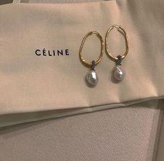 celine earrings - Women's style: Patterns of sustainability Cute Jewelry, Pearl Jewelry, Jewelry Accessories, Fashion Accessories, Fashion Jewelry, Jewelry Design, Pearl Earrings, Women's Jewelry, Jewellery Box