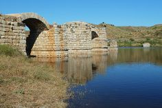 Puente de Alconetar - Cáceres  En la Antigüedad Clásica, el puente de Alconétar fue parte de la calzada romana Iter ab Emerita Caesaraugustam, más tarde llamada Via de la Plata