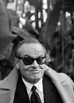 Jack Nicholson, brow lifting, gesture, sunglasses, smoking, cigaret, man, famous, actor, photography, black and white, celeb