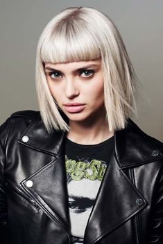 10 Self-Reliant Tricks: Funky Hairstyles Pixie women hairstyles for round faces.Shag Hairstyles With Bangs funky hairstyles pixie. Oblong Face Hairstyles, Wedge Hairstyles, Older Women Hairstyles, Feathered Hairstyles, Everyday Hairstyles, Hairstyles With Bangs, Trendy Hairstyles, Braided Hairstyles, Wedding Hairstyles