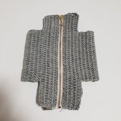 [공유] 코바늘 뜨기로 통통한 사각 파우치 만들기 : 네이버 블로그 Crochet Projects, Diy And Crafts, Hobby, Sewing, Crocheted Bags, Stitches, Fashion, Tejidos, Weaving