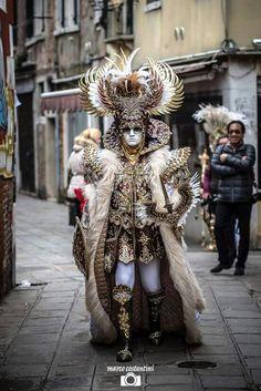 gorgeous Carnivale costume