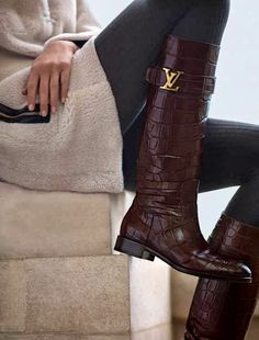 Louis Vuitton Boots Fall/Winter 2013 Seguici diventa nostra fan ed entrerai nel mondo fantastico del Glamour  Shoe shoes scarpe fashion chic luxury street style moda donna