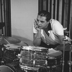 John Newman completes me! John Newman, Love Me Again, John 3, Singer, Music, Caves, Drums, Celebrity, Musica
