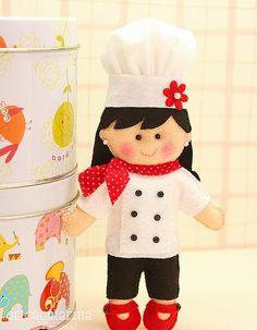 Adorable little chef for a friend who loves cooking. Felt Diy, Felt Crafts, Diy Crafts, Felt Fabric, Fabric Dolls, Puppet Patterns, Felt Decorations, Felt Food, Felt Dolls
