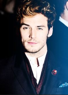 Alright pinterest peeps you're going to see a lot of this face in the next few minutes. Enjoy this hot beauty <3 Sam Claflin