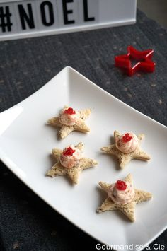 Apéritif de Noël : toasts étoilés aux rillettes de saumon fumé