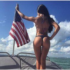 Wake up and work out  #nexpharma #fitnessgirl #girlswholift #squats #bikinifitness #bikinibody #fitspo #memorialdayweekend #memorialday #fitnessmodel