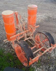 ALLIS-CHALMERS 2-Row Planter