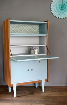 Secrétaire vintage Octave rénové et relooké par Les Jolis Meubles My Furniture, Retro Furniture, Mid Century Modern Furniture, Upcycled Furniture, Furniture Making, Furniture Makeover, Painted Furniture, Furniture Design, Furniture Online