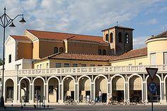 Tresigallo - chiesa e porticato