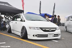 Not a fan of the fitment but this Odyssey is cleannn. #JDM #Hella Flushed