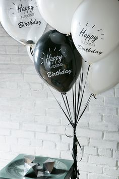 White-black-big-balloons-best-men-in-the-world-birthday-party-ideas