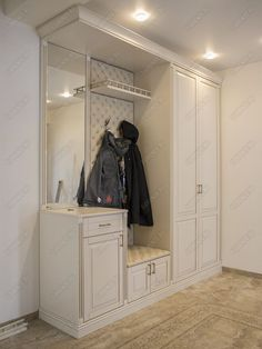 Classic cabinet with golden patina Wardrobe Design Bedroom, Bedroom Bed Design, Home Room Design, Bathroom Interior Design, House Design, Sweet Home Design, Flur Design, Classic Cabinets, Hallway Decorating