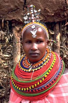 in the case of other Kenyan tribes, such as the Samburu, elaborate necklaces worn by brides during their wedding ceremonies and other important occasions, are traditionally handed down from mother to daughter from generation to generation. People Of The World, We The People, Maasai People, African American Weddings, Afro Style, Evolution Of Fashion, African Beauty, African Style, Black Artwork