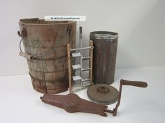 Antique Maid Of Honor 6 Qt Old - Fashioned Wood Barrel Ice Cream Maker Freezer Photos and Information in AncientPoint Old Fashioned Ice Cream, Wash Tubs, Ice Cream Maker, Made Of Wood, Country Kitchen, Maid Of Honor, Vintage Antiques, Shabby, Rustic