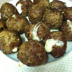 Claris' Cookbook: Mozzarella Stuffed Meatballs
