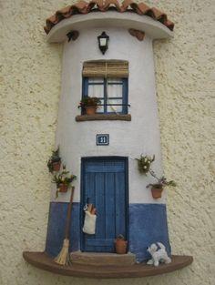 Risultati immagini per tejas decoradas cocinas Clay Houses, Ceramic Houses, Miniature Houses, Stone Houses, Clay Flower Pots, Clay Pots, Decoupage, Clay Fairy House, Pottery Houses