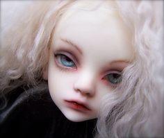 doll chateau bella painted by winternightpoem