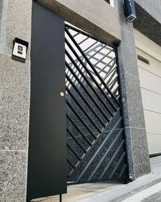 Blog Fence Design, Door Design, Sliding Gate, Home Safety, Iron Gates, Living Room Designs, Blinds, Skyscraper, Modern Design