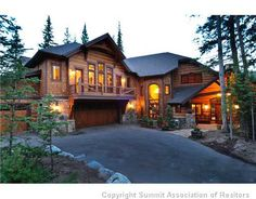 Looks beautiful...would love to vacation here!