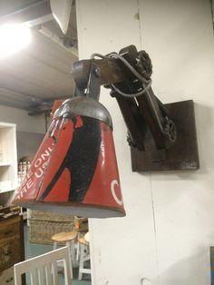 Wandlampe aus recycling Material.