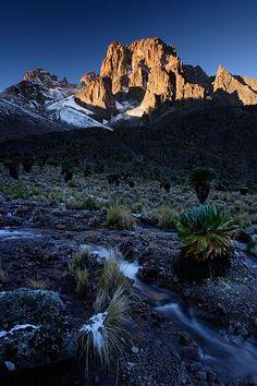 monte kenia la segunda montaña mas alta de africa