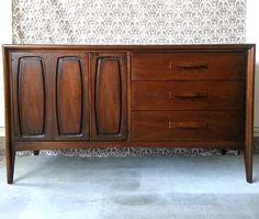 SOLD-Vintage Retro Mid Century Modern MCM Dresser Credenza Buffet Console Media Cabinet TV Stand