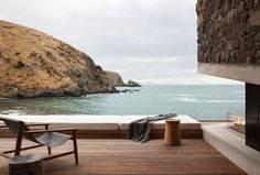 Architecture firm Pattersons imagined the perfect house for a honeymoon in New-Zealand, near the Banks peninsula. The Annandale Seascape Cottage, is a structure Outdoor Spaces, Outdoor Living, Outdoor Decor, Outdoor Photos, Wood Patio, Interior Exterior, Interior Design, Stylish Interior, Interior Photo